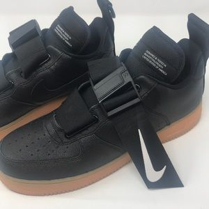 Air Force 1 utility black with gum bottom